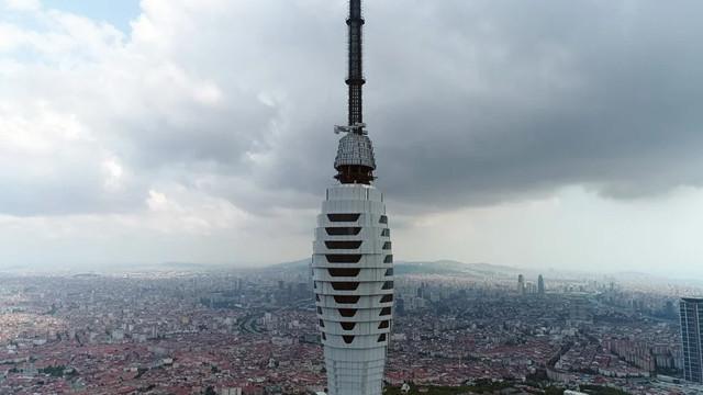 TRT kulelerinde söküm başladı