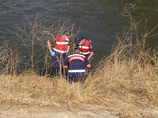 Yaşlı kadın, nehir kıyısında ölü bulundu