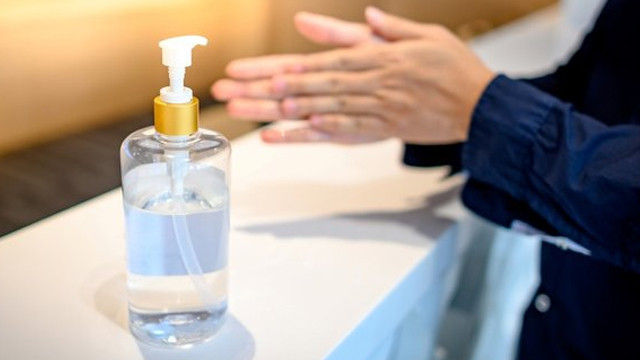 El dezenfektanlarına karşı uyardı: İçeriğini bilmeden kullanıyoruz