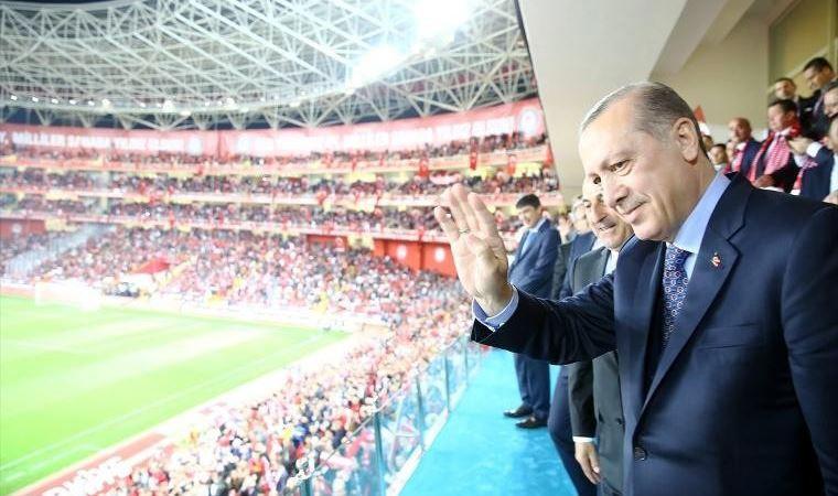 Futbolda seyirci izni için karar Erdoğan'da