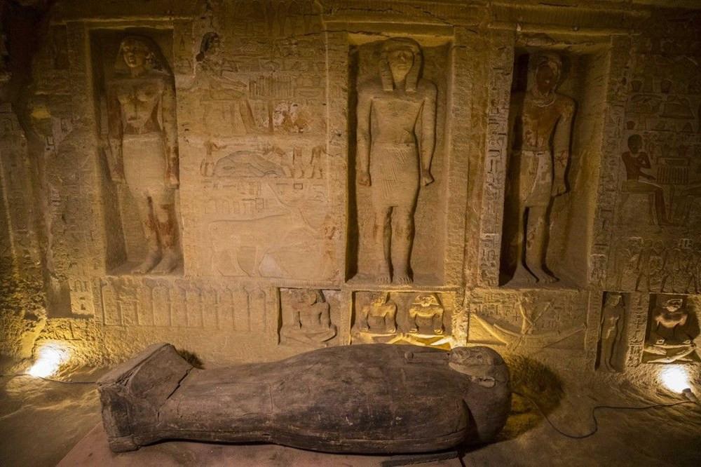 Binlerce yıllık, açılmamış lahitler bulundu!