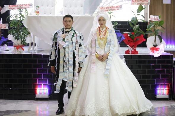 Aşiret düğününde takı yarışı - Resim: 3