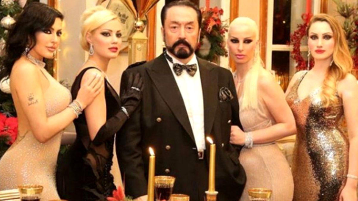 Adnan Oktar'ın milyon dolarlık çok özel koleksiyonu bulundu!