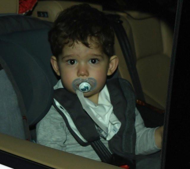 Fahriye Evcen Karan bebek ile yakalandı