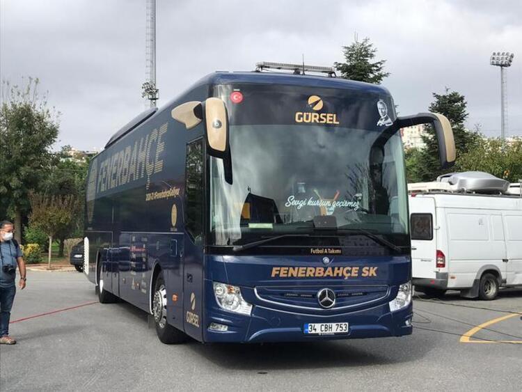 Fenerbahçe takım otobüsünde ''sevgi kurşun geçirmez'' detayı
