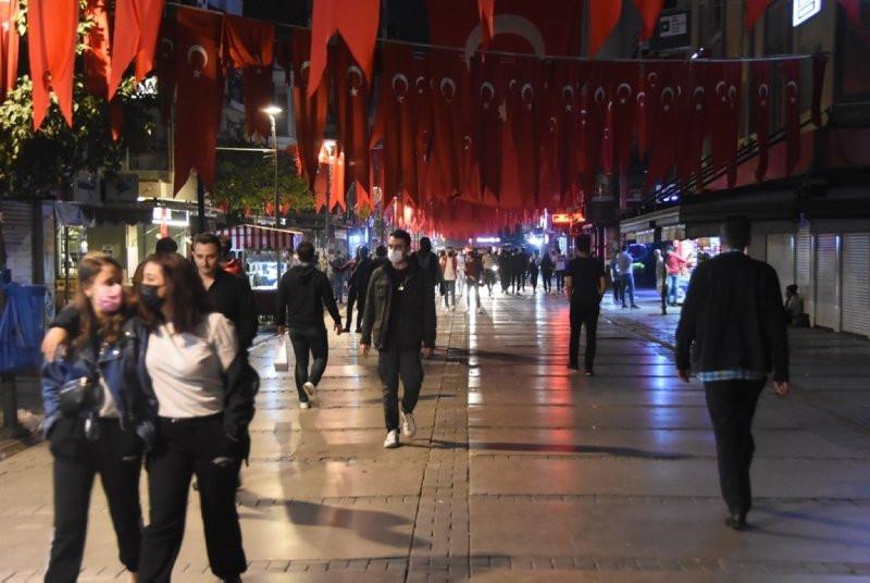 İzmir'de uyarılara rağmen ''pes'' dedirten görüntüler! - Resim: 2