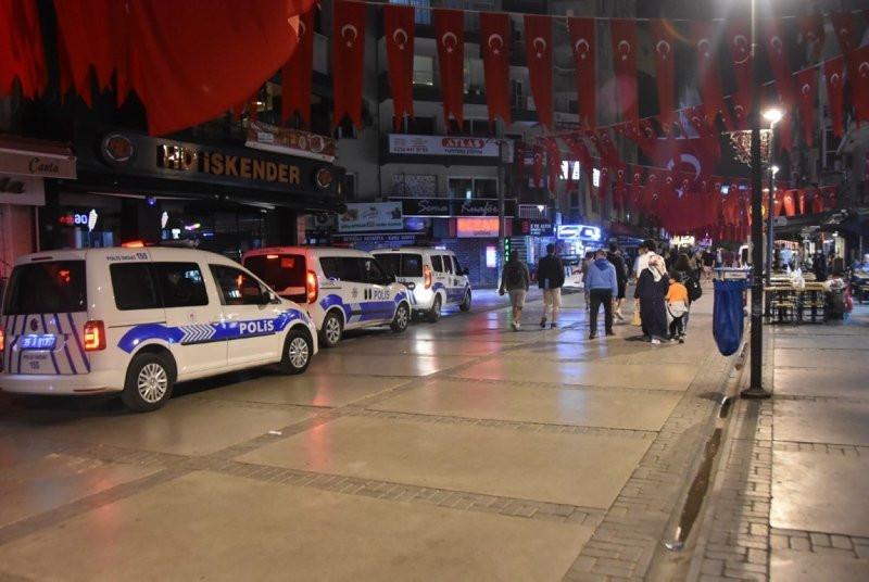İzmir'de uyarılara rağmen ''pes'' dedirten görüntüler! - Resim: 3