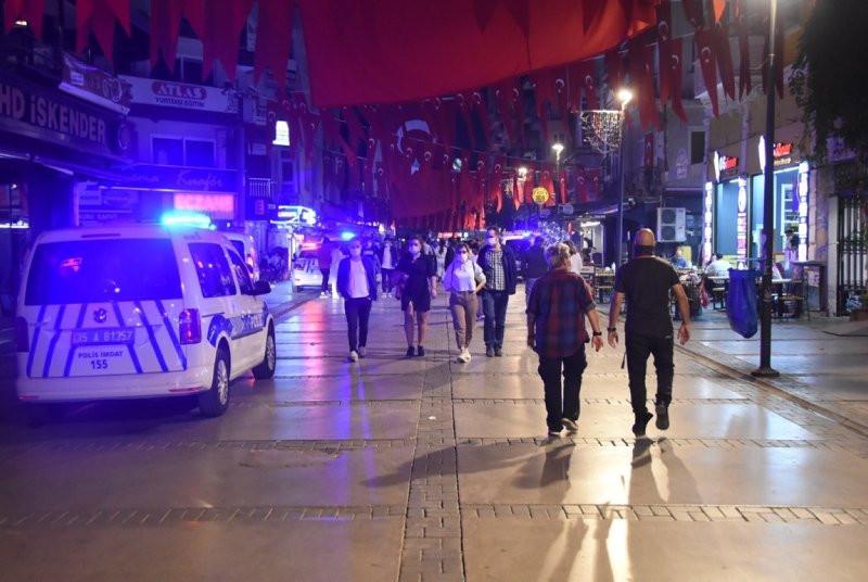 İzmir'de uyarılara rağmen ''pes'' dedirten görüntüler! - Resim: 4