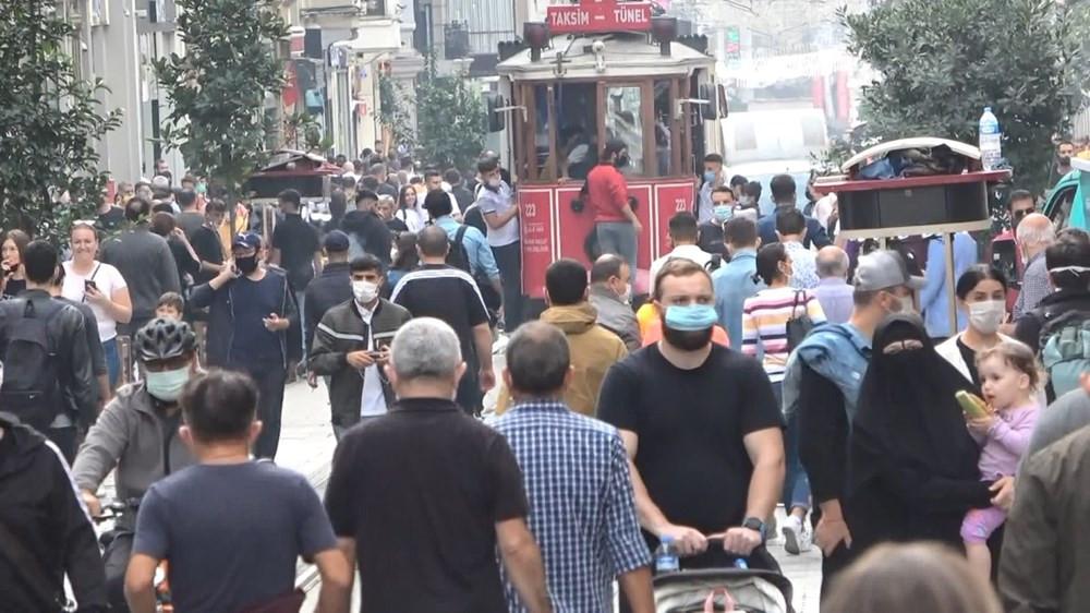 İstanbullu koronaya rağmen pazar gezmesinden vazgeçmedi