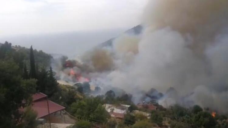 Evler boşaltılıyor; orman yangını yerleşim yerlerine dayandı!