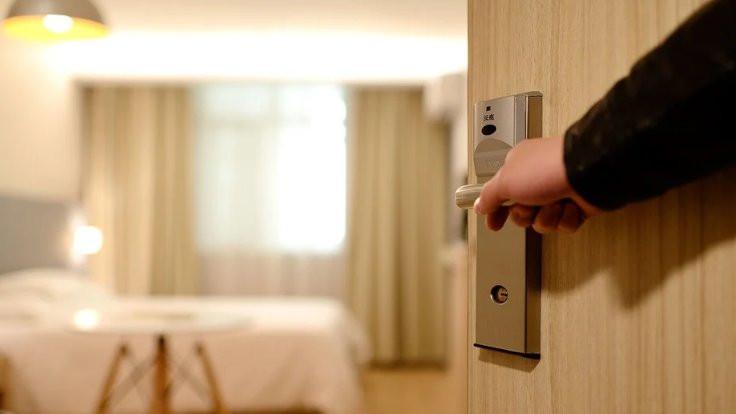 Otel odasında tacize ''pes'' dedirten savunma