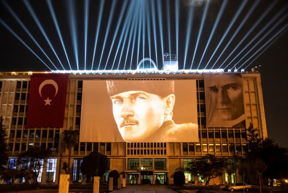 Türkiye'nin ilk Atatürk hologramıyla İstanbul'da 29 Ekim coşkusu