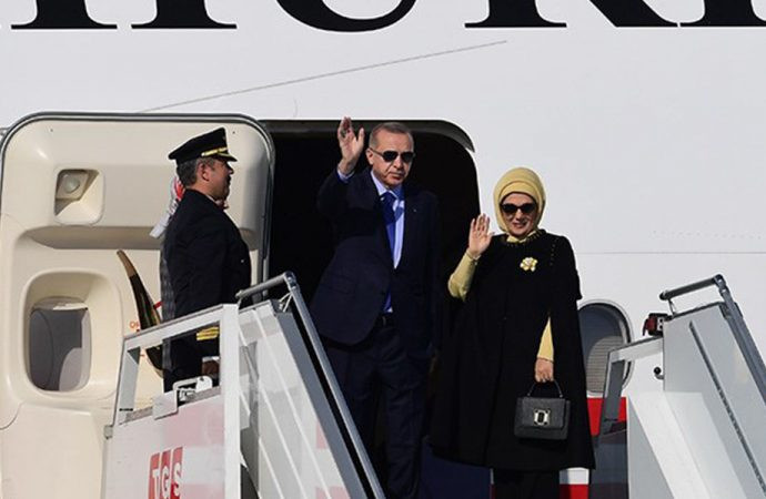 Emine Erdoğan'ın çantasını böyle savundu