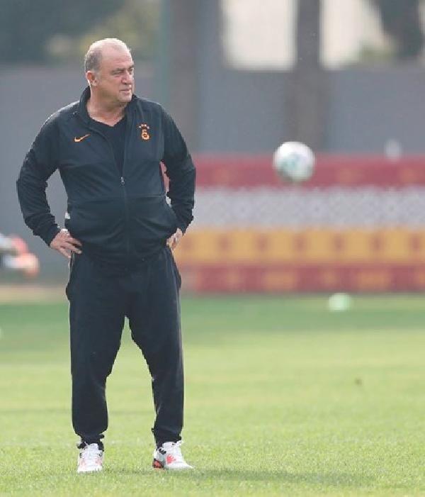 Galatasaray'da Belhanda'nın tedavisi başladı