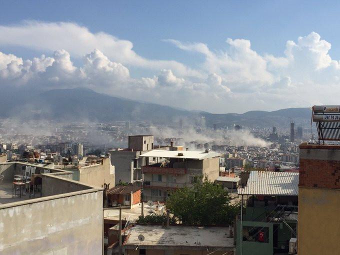 Deprem sonrası İzmir'den dumanlar yükseldi! İşte korkunç görüntüler