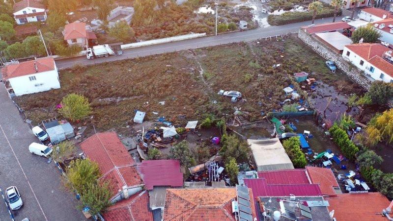 Depremin merkez üssünde dikkat çeken kare!