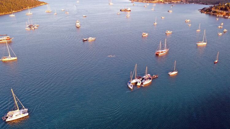 Tsunami meydana gelen Seferihisar'da deniz çekildi