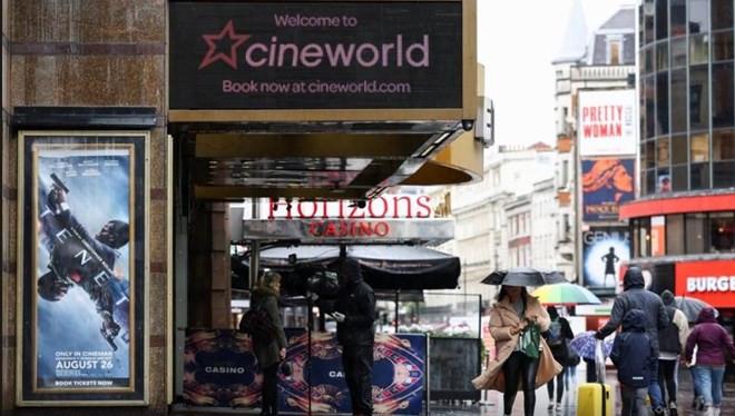Dünya sinema salonları devi sinemalarını kapatıyor
