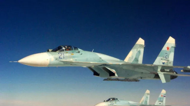 Rus ve İngiliz savaş uçakları karşı karşıya geldi!