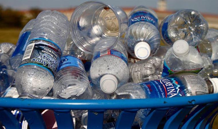 Bir ülke daha plastik malzemeleri yasakladı
