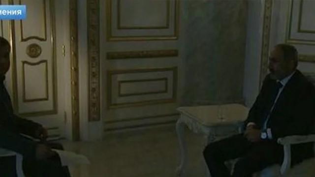 Ermenistan Başbakanına büyük şok! Röportaj verdiği sırada...