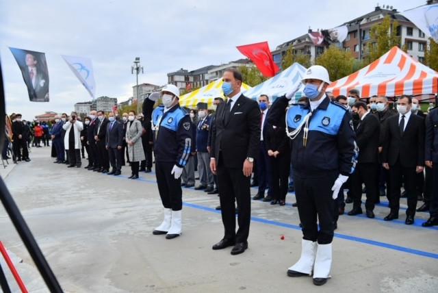 Atatürk Beylikdüzü'nde saygı ve minnetle anıldı