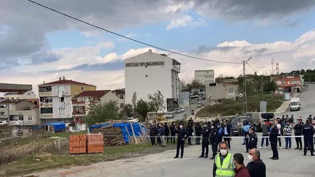 Arnavutköy'de kaçak binanın yıkımı sırasında gerginlik