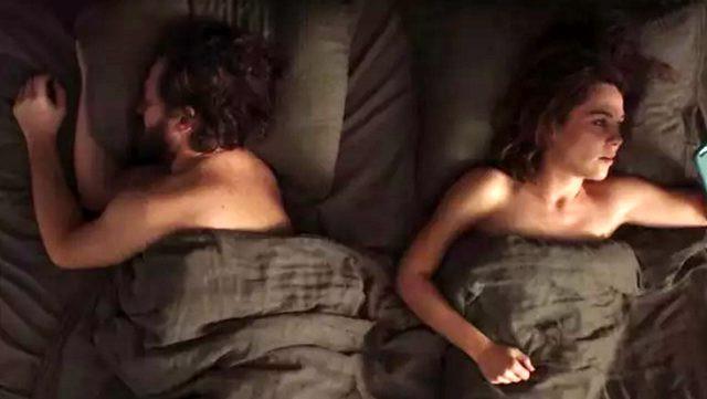 Netflix'in yeni Türk dizisine damga vuran yatak sahnesi