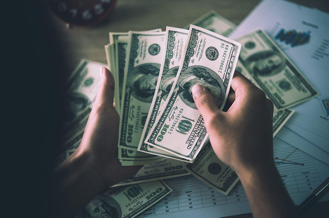 Bütçe ekimde 4,9 milyar lira açık verdi