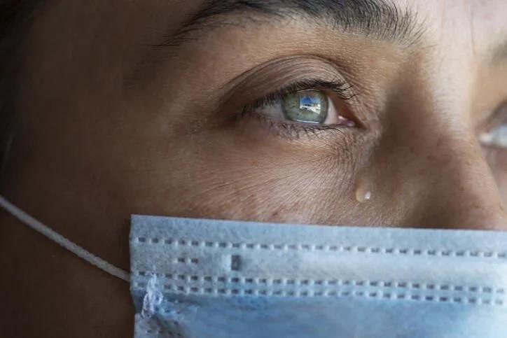Uzman isim açıkladı! Göz kızarıklığı koronavirüs belirtisi mi? - Resim: 1