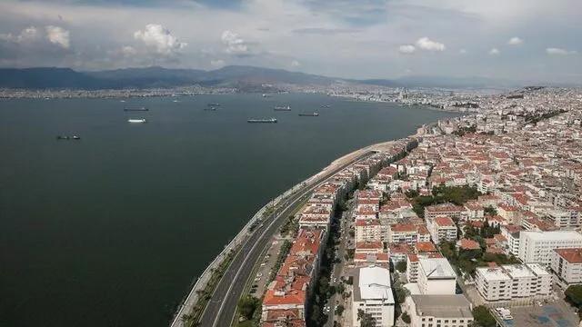 İstanbul'dan sonra İzmir'de de kısıtlamalar geri döndü