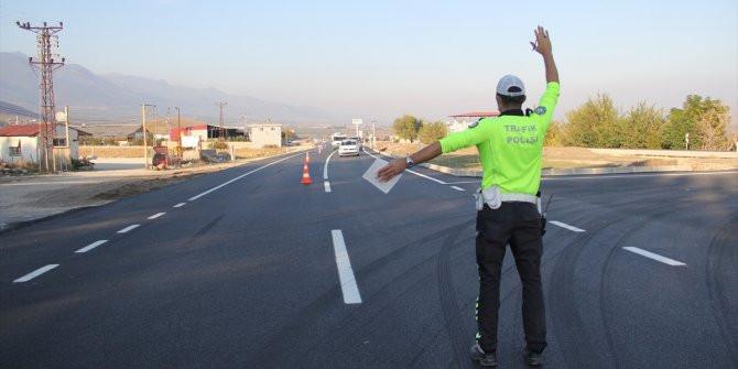 Gökyüzünden sürücülere ceza yağdı  Kaynak Yeniçağ: Gökyüzünden sürücülere c