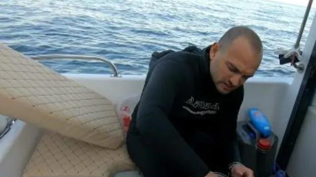 Youtuber Çağdaş Özsarı'yı aslan balığı zehirledi