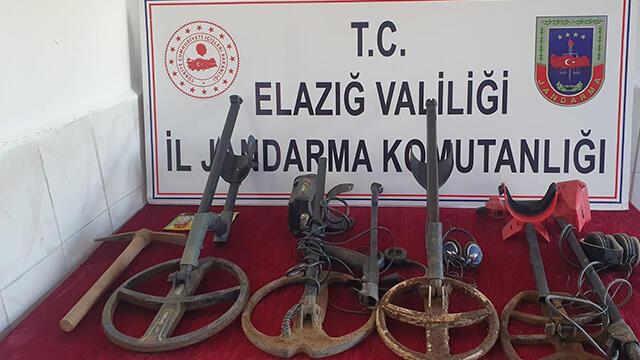 Elazığ'da kaçak kazıya operasyon: 4 gözaltı