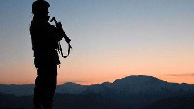 PKK'dan kaçan 4 terör örgütü mensubu teslim oldu