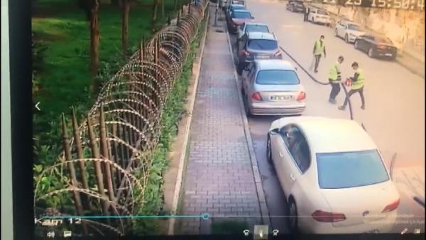 İstanbul'un göbeğinde film gibi hırsızlık! İşçi kılığına girdiler...