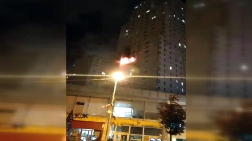 İstanbul'da 30 katlı binada korkutan yangın