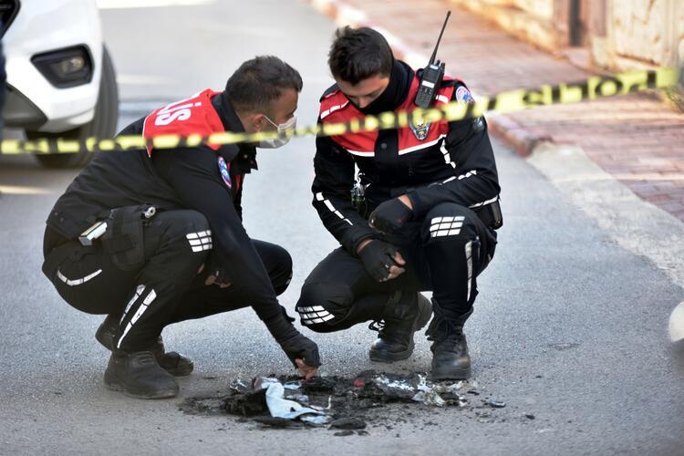 Antalya'da polisi alarma geçiren olay! Sokakta yakılmış halde bulundu