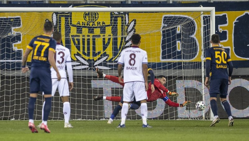 Trabzonspor'da Afobe, Nwakaeme ve Abdülkadir Ömür'e flaş eleştiri!