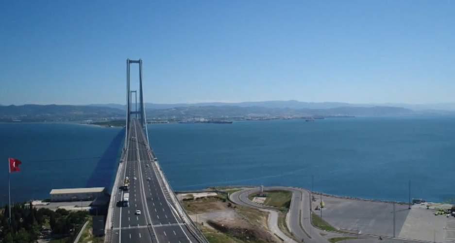 Geçiş garantili köprüler ve yollar para bastı!