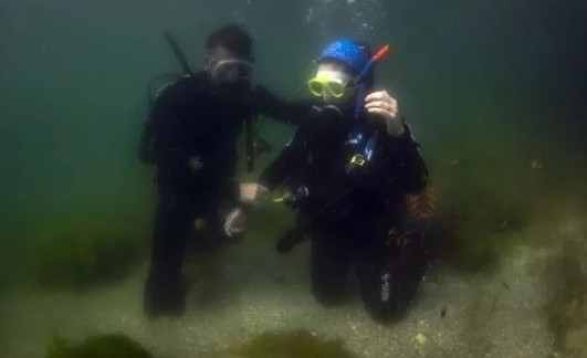 Depreme dalgıçlar su altındayken yakalandı