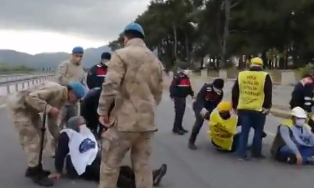Somalı madencilerin Ankara'ya yürüyüşüne jandarma engeli