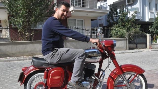 51 yaşındaki efsane motosikleti yeniden hayata döndürdü
