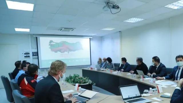 Bakan Koca açıkladı! İzmir'de yeni koronavirüs tedbirleri