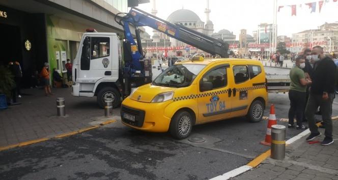 Taksim'de turistin panik anları