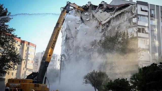 Deprem mağduru İzmirli vergi ve prim borçluları için kritik talep
