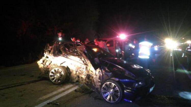 Burdur'da feci kaza: 2'si kardeş 3 kişi hayatını kaybetti