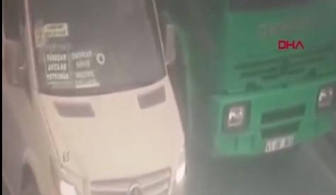 İstanbul'da dehşet minibüsü kamerada! İnanılır gibi değil