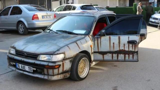 Sıra dışı araç modifiyesi görenleri şaşkına çeviriyor