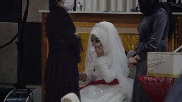 Düğün polis baskınıyla bitti! Gelin gözyaşlarına boğuldu